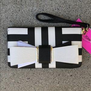 Wristlet Wallet Betsey Johnson Black/White Bow NWT